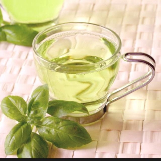 Green Tea: Boosts and Builds Metabolism  Research shows that the chemical EGCG found in green tea speeds up the body's metabolism, which is responsible for helping people lose weight. It can burn up to a whopping 70 calories a day!! Cheers! 💚🍵  Please like if you save! Thank you! 😊👍