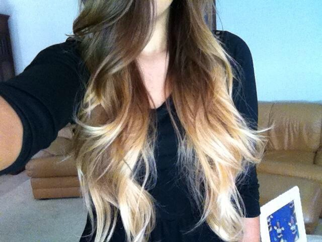 You could also lighten your tips but to achieve this color it takes 5-7days. But I LOVE IT😍😍😍👅