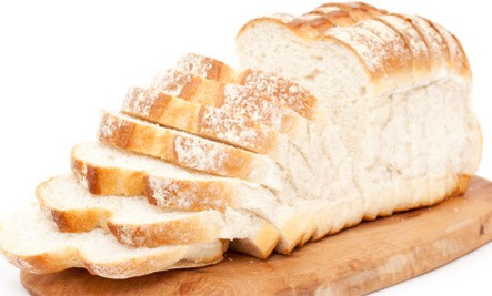Reduce your simple carbohydrates and other foods that do not provide you with long-term energy. This includes white bread, sugar, alcohol and baked goods. These foods do not give you as much energy as their complex counterparts, and therefore require you to eat more