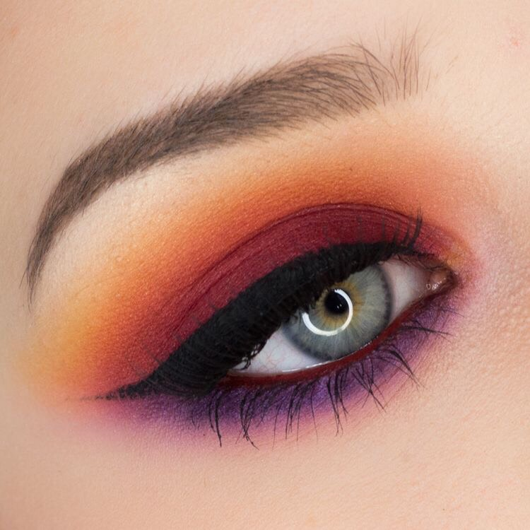 This season the red and orange sunset smoky eyeshadow look is it. Here are some looks to get you inspired.