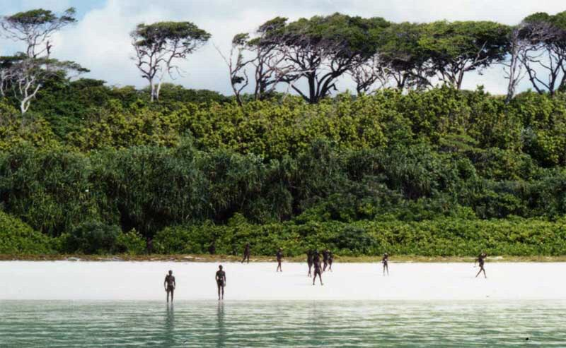 North Sentinel Island This is one of the Andaman Islands in the Bay of Bengal, where a group of indigenous people, the Sentinelese, live. Their population is estimated to be between 50 and 400 individuals. The Sentinelese reject any contact with other people, and are among the last people on earth t
