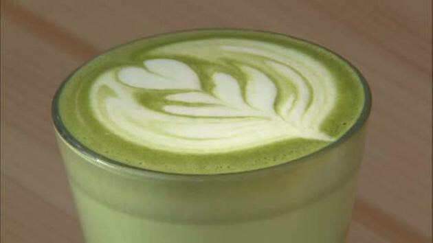 •Matcha is rated at 1300 according to the ORAC scale (Oxygen Radical Absorbance Capacity, which is the scale to measure the antioxidant level of foods). This is a high number considering the antioxidant-rich pomegranate is 131.