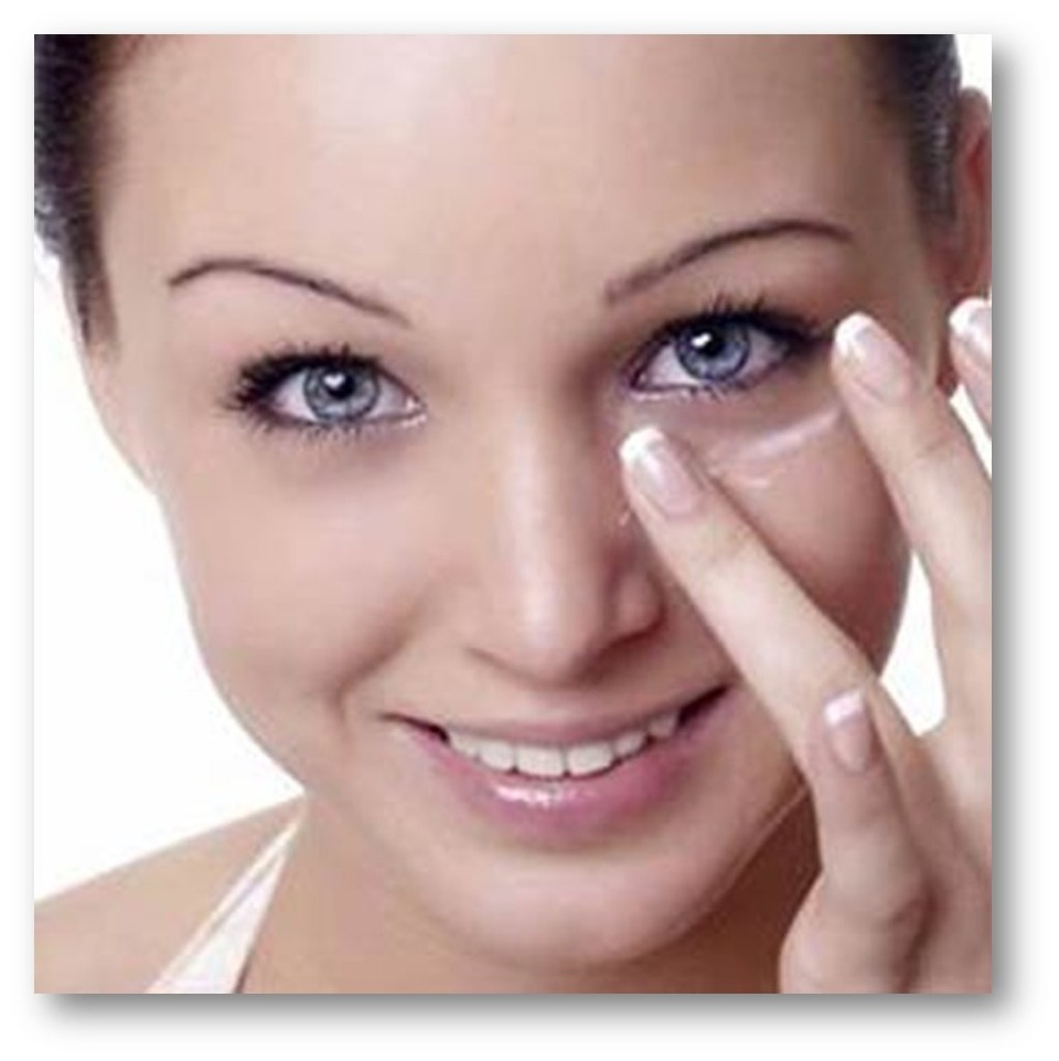 Under eyes: eye cream, coconut oil, olive oil, green tea or Vaseline. Whatever your preferred trick do it before bed so you wake up looking bright-eyed. For added efficiency, put your product in the fridge first.
