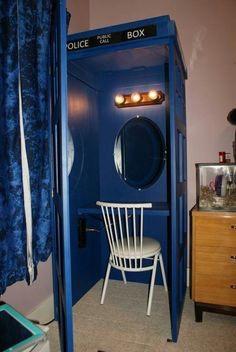 Tardis dressing makeup mirror room