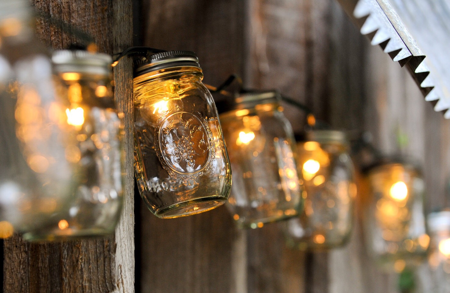 Outdoor lighting for events look so cute and make the area seem more cozy