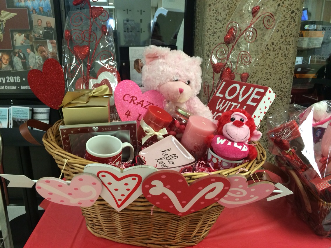 Valentine's Basket Chocolate/candy Mugs Glass trays Stuff toys Picture frame