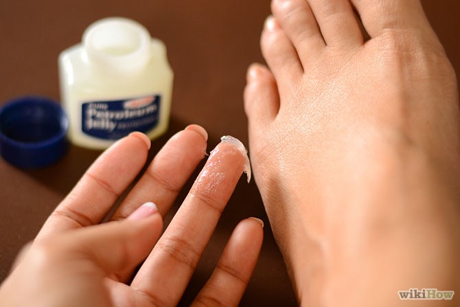 Put vasaline on your feet before you go to bed. Put socks on. Wake up with smooth feet. 👍🏼👣