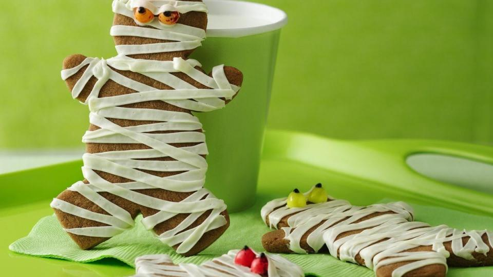 Easy cookie mix jump-starts Halloween cookie fun. Gather the kids and get baking!