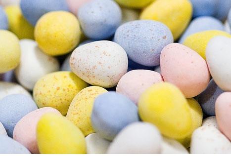 ice cream cones Cadbury Mini Eggs  Marshmallow  Clear cello bag or piping bag  Ribbon