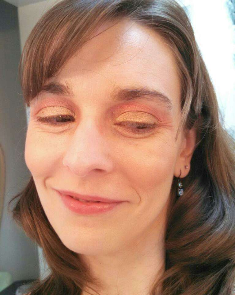 """This """"fall flavored"""" smoky eye is super easy to create!"""