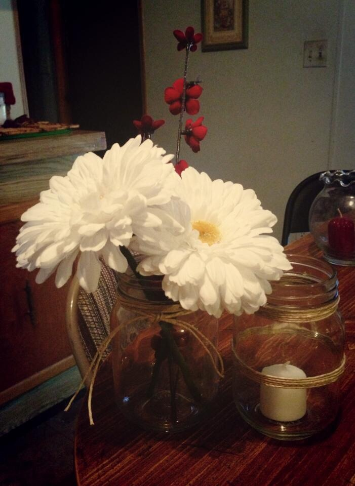 Inexpensive and easy to make yet so pretty. Simple country elegance at its best.
