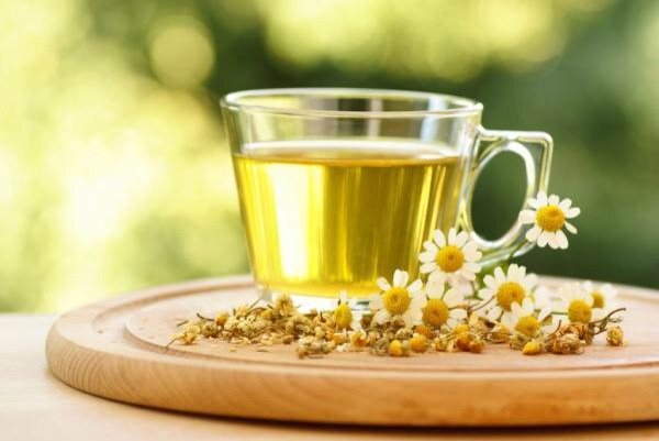 Chamomile oil  you can use chamomile essential oils to sooth eczema, either by massaging the oils directly onto the skin, or adding a few drops to a warm bath.