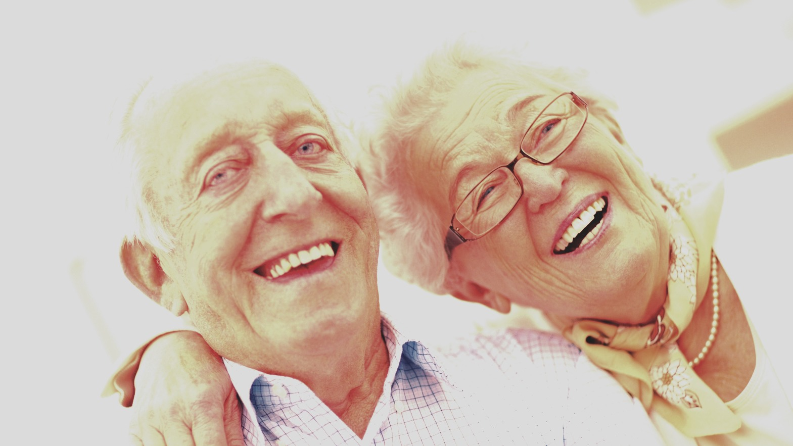 Couples last longer when they have the same level of attractiveness