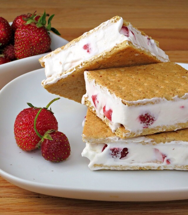 instructions  Place 3 graham cracker squares on a plate or baking sheet. Put strawberries in a bowl. Fold in COOL WHIP whipped topping until combined. Spoon an even amount of COOL WHIP mixture on top of each square. Top with remaining graham cracker square. Place in freezer until COOL WHIP whipped t