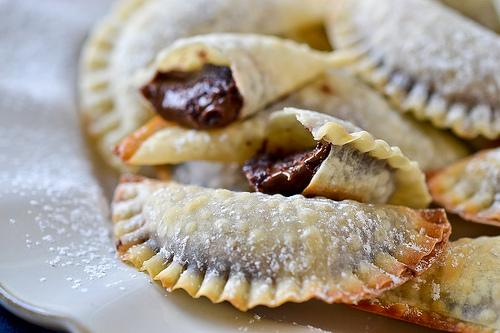 http://www.fullforkahead.com/2013/01/23/baked-nutella-ravioli/