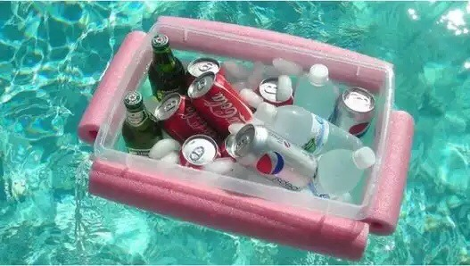 DIY pool cooler PERFECT for these hot sunny days ☀️☀️☀️