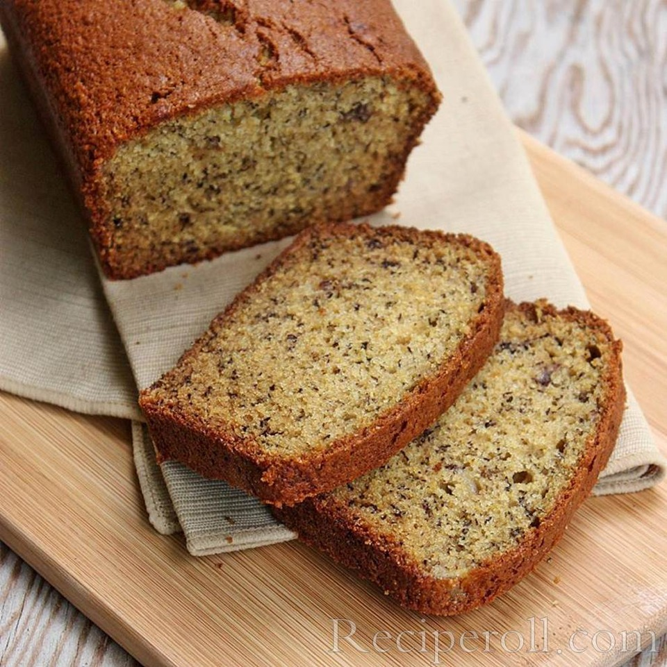 Banana bread ingredients  2 cups all-purpose flour 1 teaspoon baking soda 1 teaspoon of baking powder 1/4 teaspoon salt 1/2 cup butter 3/4 cup brown sugar 2 eggs, beaten 2 1/3 cups mashed overripe bananas