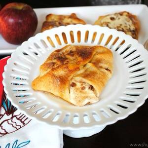 Apple Cheesecake Bundles: http://www.shugarysweets.com/2012/05/apple-cheesecake-bundles