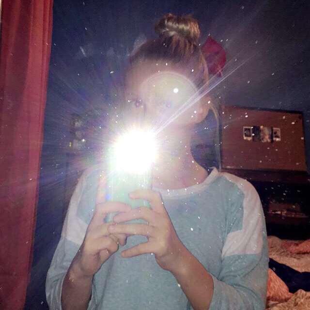 This is a classic. Mirror selfie on fleek!
