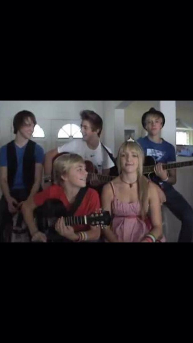 They've been making music for as long as they can remember! Yes, this is them.😍😂