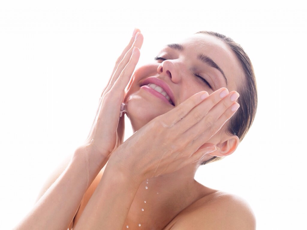 3- wash your makeup off before you go to bed! The chemicals in eye makeup can cause a darker tinge around your eyes!