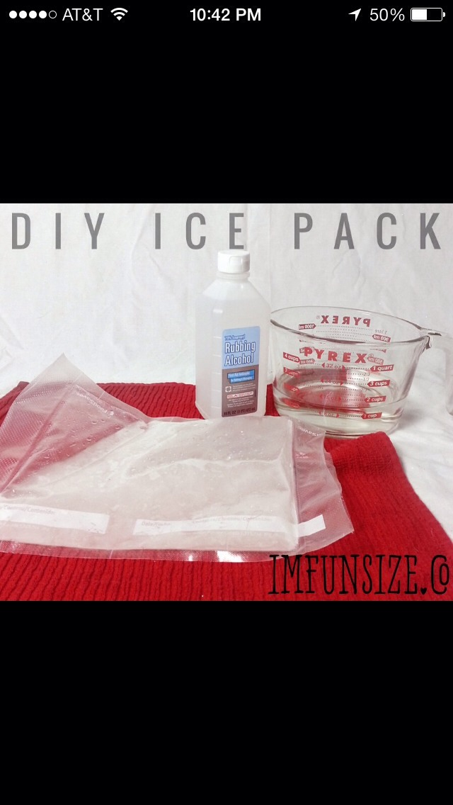 Add 2 parts alcohol to 1 part water. Then freeze. The alcohol prevents the pack from getting too hard and inflexible  Please like when saving! Thank you.