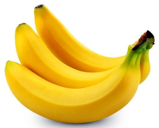 1  banana. Bananas reduce shrinkage by loosening the curl pattern on natural textured hair. It also softens hair to prevent split ends and is great for those with damaged hair or dandruff