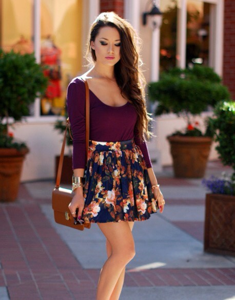 Crop top and a floral skirt 😍
