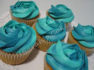Blue rose cupcakes