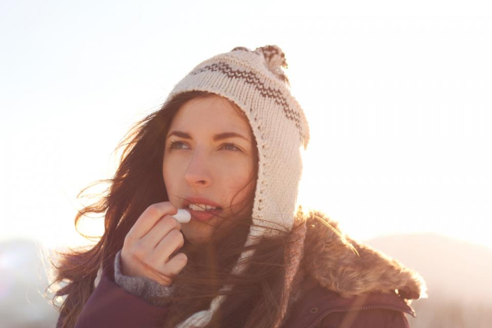 While temperatures continue to drop, many people are gearing up to hit the slopes for some outdoor winter fun! And although a cozy weekend in the mountains sounds blissful, the freezing temperatures and sunshine can be super stressful on your skin!    So if you've got a ski trip planned soon, we've got you covered. Here's a list of some of the best skincare products to use when you hit the slopes.