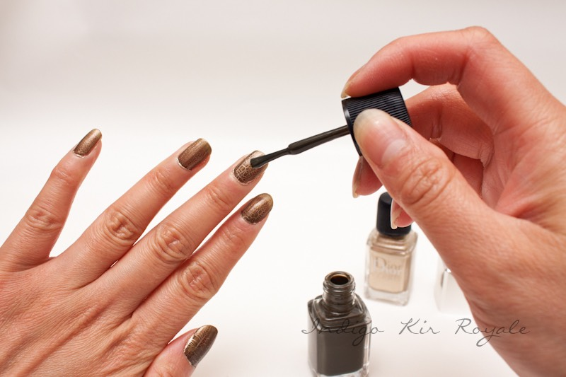 Apply a fresh layer of topcoat every 1 to 2 days to prolong the length of your manicure and keep your fingers looking pretty and chip-free.