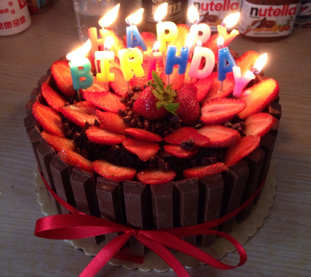 •make sure to tie the cake with a ribbon for the chocolates to hold and firm up, for it to look compact as well •you can put candles to add to the surprise