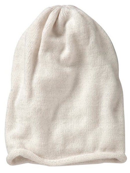 A Beanie Hat Oversized or fitted, this is the only hat that can seamlessly carry you from the fall into the winter months and finally, to spring.