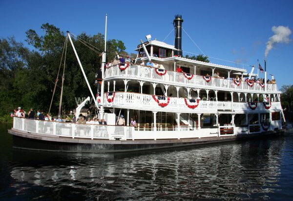 Liberty Square River Boat Cruise the scenic Rivers of America aboard the Liberty Belle and take a gander at life in the U.S. over a century ago.  Height: Any FP+: No