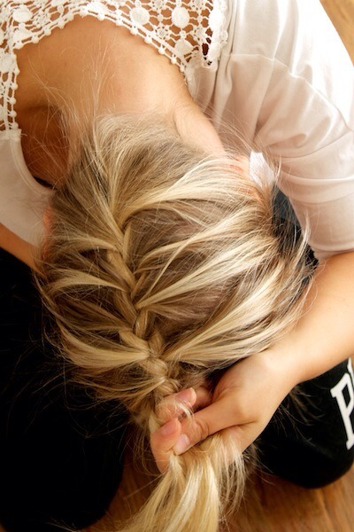 Definitely going to try and do this upside down French braid! If you like the look of it, you should definitely give it a go too and keep practicing till you get it perfect 😉