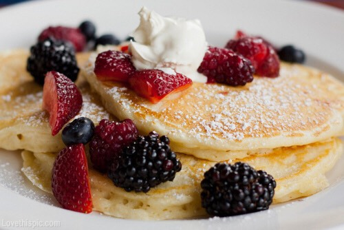 Blackberry and raspberry pancakes. 💜