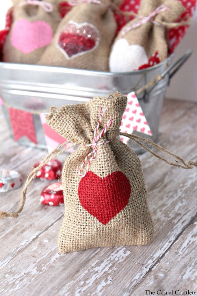 DIY V-day gift bags! Super cute!!