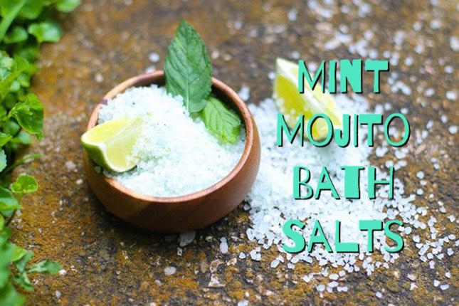 Find out how to make this DIY Mint Mojito Bath Salts HERE | http://helloglow.co/mint-mojito-diy-bath-salts/