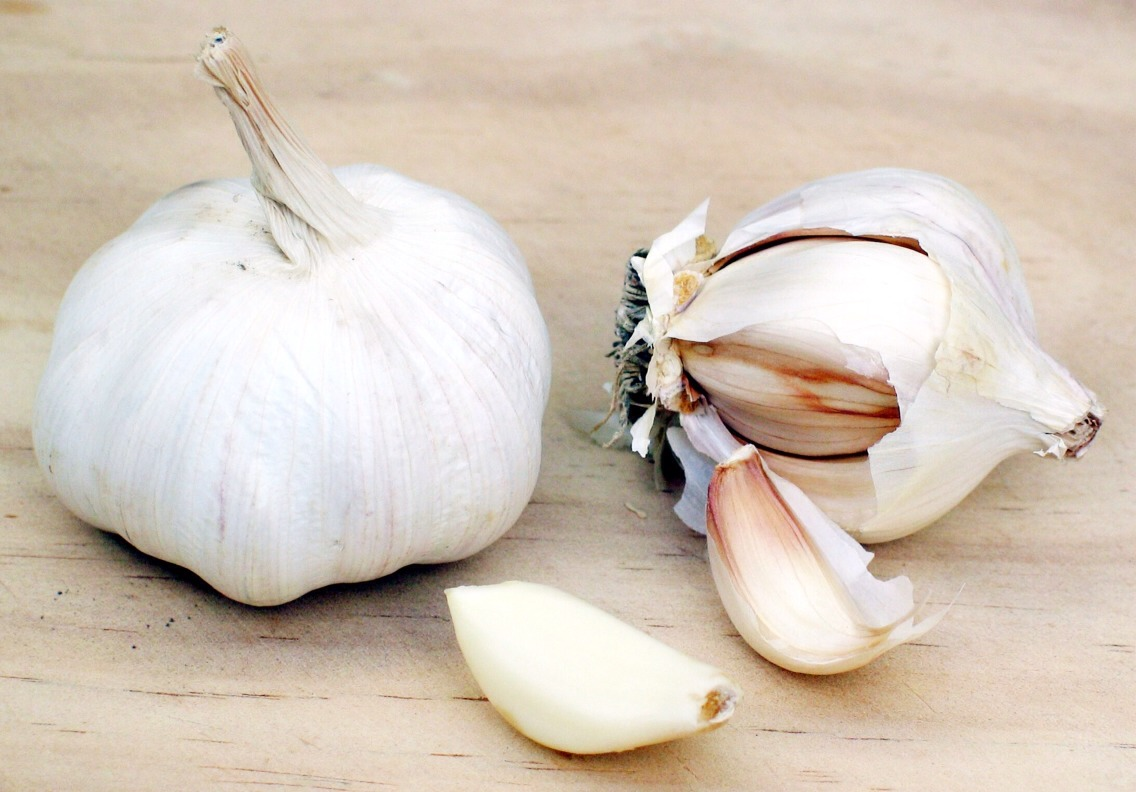 Then take a clove of garlic and rub it on your nails. From the base to the tip of your nail. Coat it in the the garlic juices and leave it on for 15 minutes.