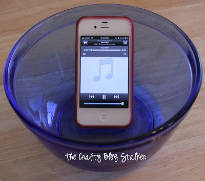 You don't need an expensive Bluetooth speaker, you can use a glass bowl to make your iPod/iPhone speaker louder all on its own!
