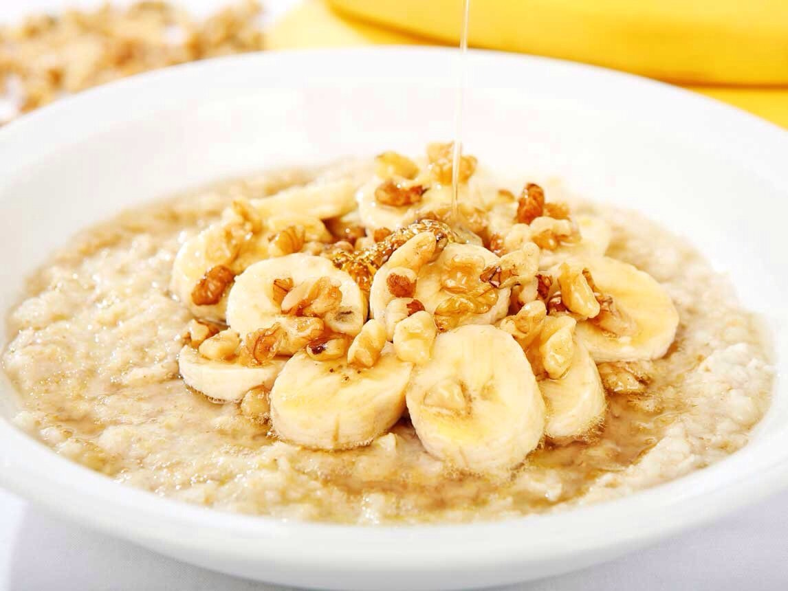"""Oatmeal and almonds (you can add honey and banana if you'd like) but without honey and a banana it would be """"170"""""""