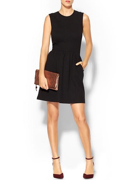 A LBD With A Twist A classic piece that every woman should own but for a college student, be sure to pick a conservative one for occasions such as interviews or a ceremony.