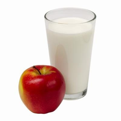 SKIM MILK AND AN APPLE KEEPS MORE THAN DOCS AWAY