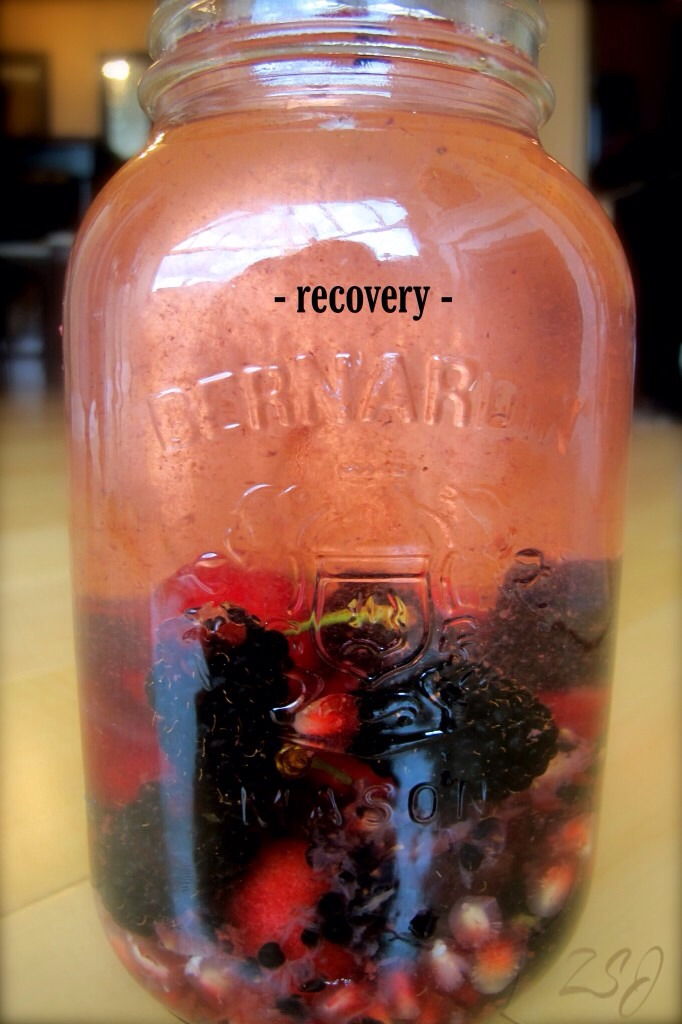 This vitamin water is ideal for recovery post-workout or after a large bout of physical activity.  Blackberries and Cherries aid in replenishing oxygen in the blood while pomegranate and glutamine help to restore and repair muscle tissue damage.