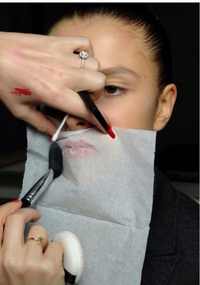 Put the lipstick on your lips and place a tissue over the top. Once you've done that get your powder foundation and simply dab the powerd over the tissue. Peal the tissue off and you should have lovely Matt looking lips