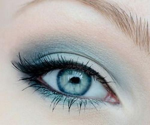 Admittedly, serenity is a harder shade to wear.. BUT, pretty much anyone can pull it off in moderation! Try a simple shadow like this and blend white in towards the inner corner of the eye to open them up.