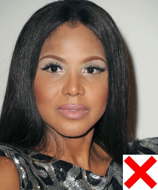 #1 No to Light Makeup makeup-tips-for-dark-skinned-