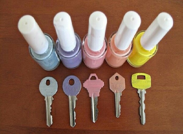 colour coordinate your keys with nail varnish