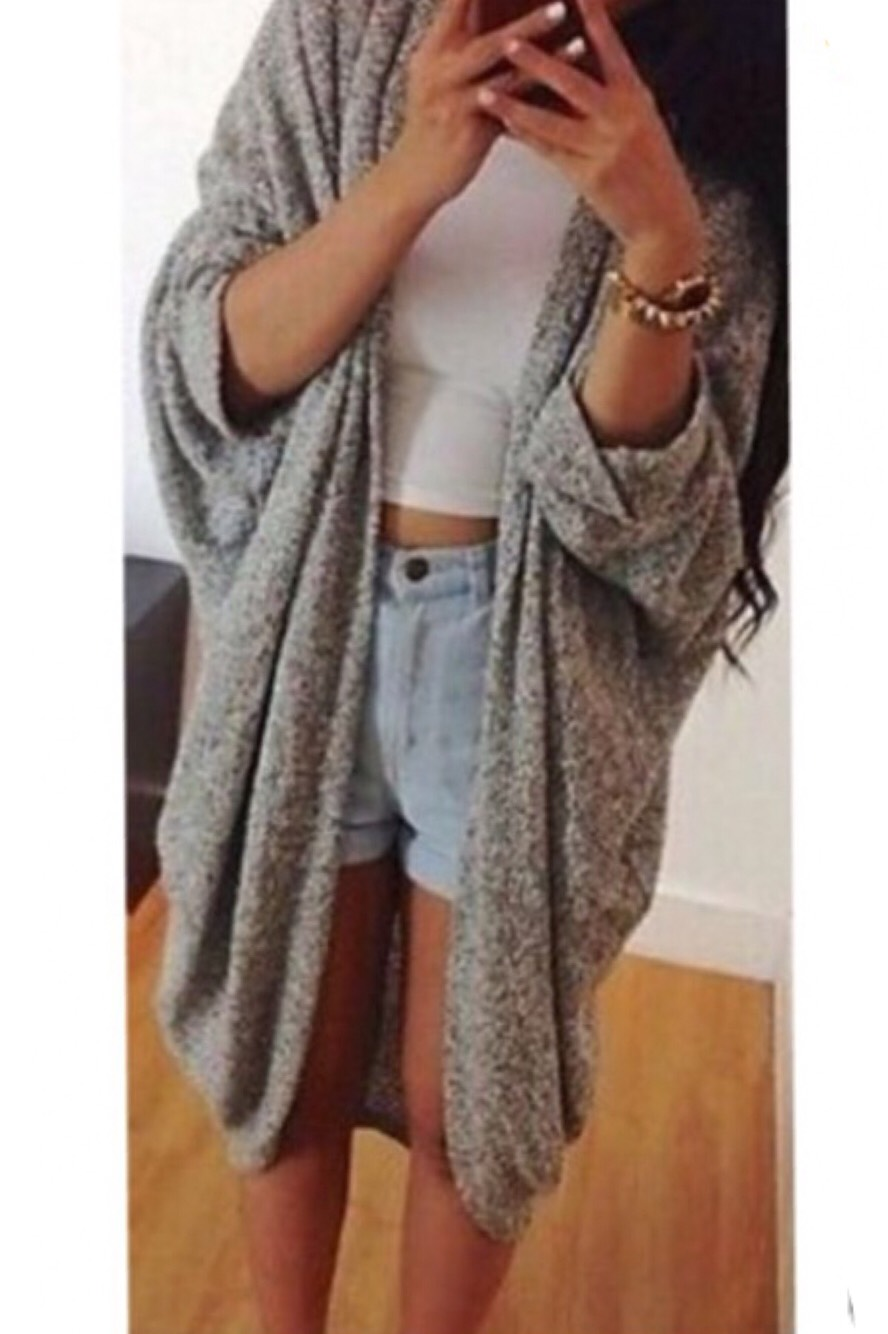 This cardigan is only $16 (free shipping) from an online store you've never even heard of.😱