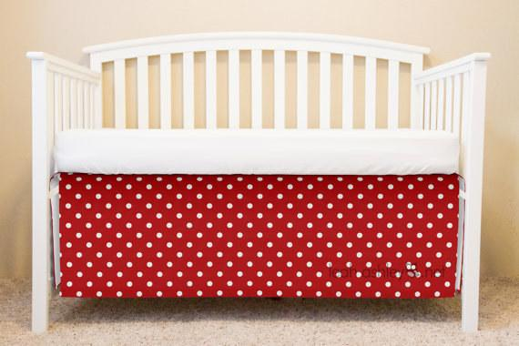 22. Minnie Mouse would so approve of this crib skirt.